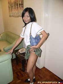 Attractive Looking Brunette Chick Annabelle Screening Her Nude Body on the Sofa