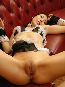 Asuka Tsukamoto is a perfect maid that loves to please her master and his friend