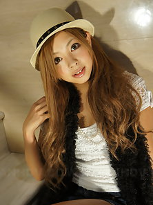 Gorgeous girl Kanon posing with a nice hat, totally hot babe