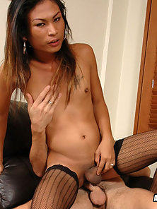Sweet Tranny Giving an Amazing Blowjob and Hard Slammed Her Hungry Holes