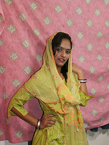 Lovely Indian Babe Divya Displaying Her Nice Tits and Pussy Naughtily