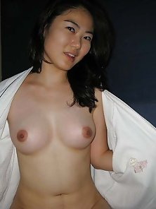 sexy nude chinese chick