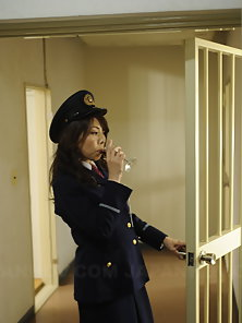 Short haired young lady gets fucked and creamed by a prison guard