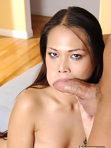 Sexy Brunette Asian Chick Excitedly Blowjob Her Partner Big Dong