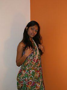 Outstanding Skinny Indian Babe Divya Expose Her in Naughty Poses