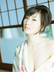 Short Haired Babe Nao Nagasawa Excitedly Gives Sex Poses With Horny At Home