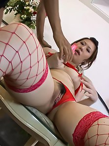 Dazzling Lady Ai Yuumi Takes Pussy Rubbing from Dude